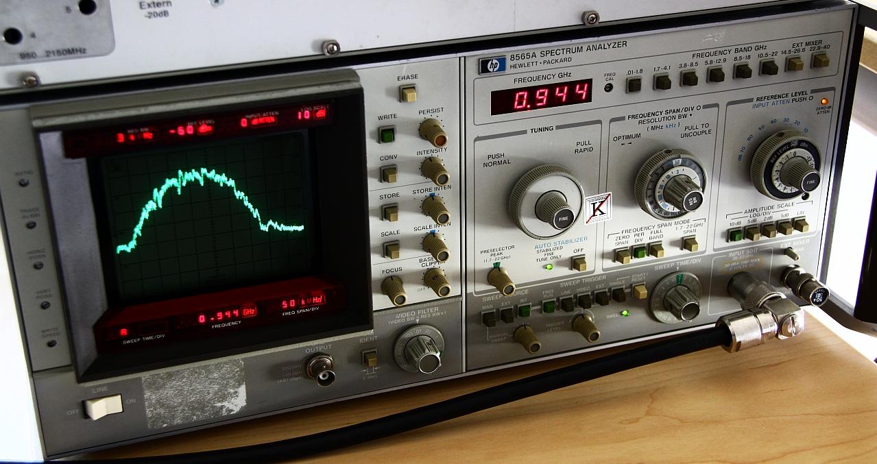 HP 8565A Spectrum Analyzer – [mjuː]wave